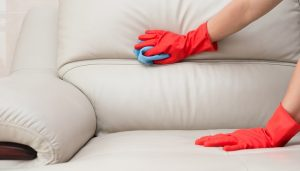 como limpiar un sofá