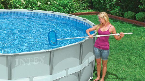 como limpiar piscina de plastico