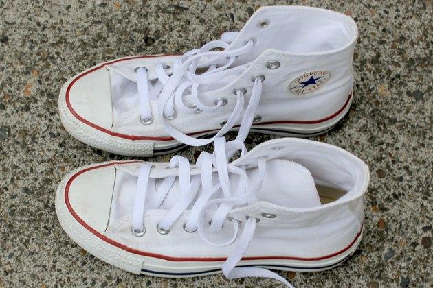 como limpiar unas converse blancas