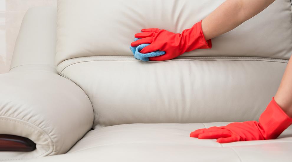 como limpiar un sofa